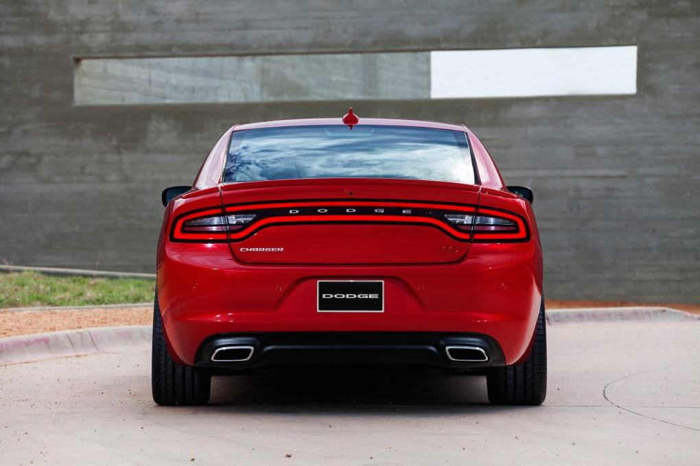The 2015 Dodge Charger facelift will be offered with new exterior body