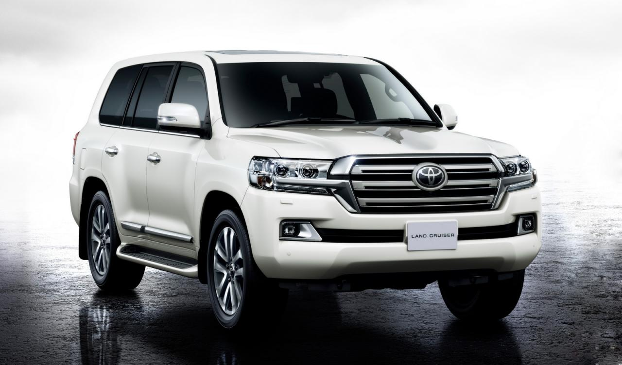 2016 toyota land cruiser breaks cover speed carz. Black Bedroom Furniture Sets. Home Design Ideas