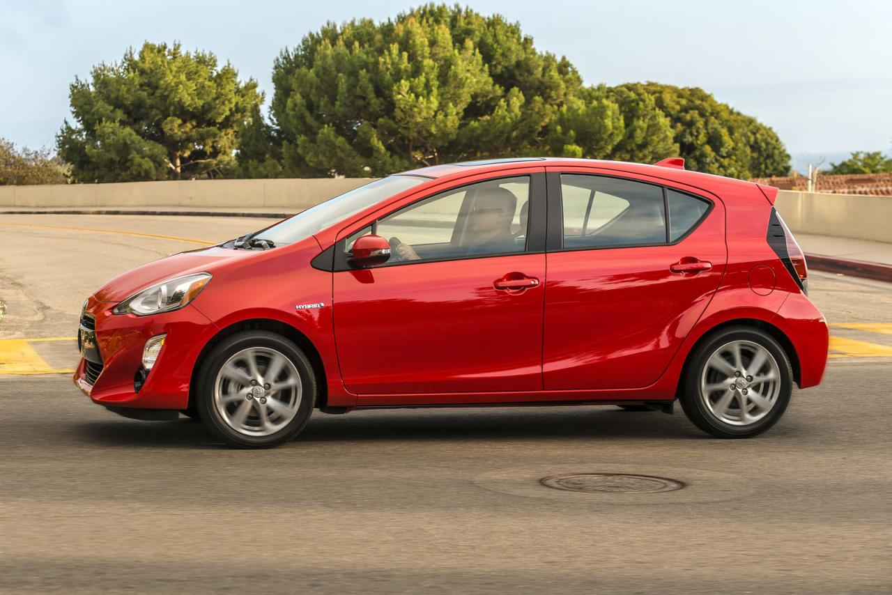 2016 toyota prius c launched in united states speed carz. Black Bedroom Furniture Sets. Home Design Ideas