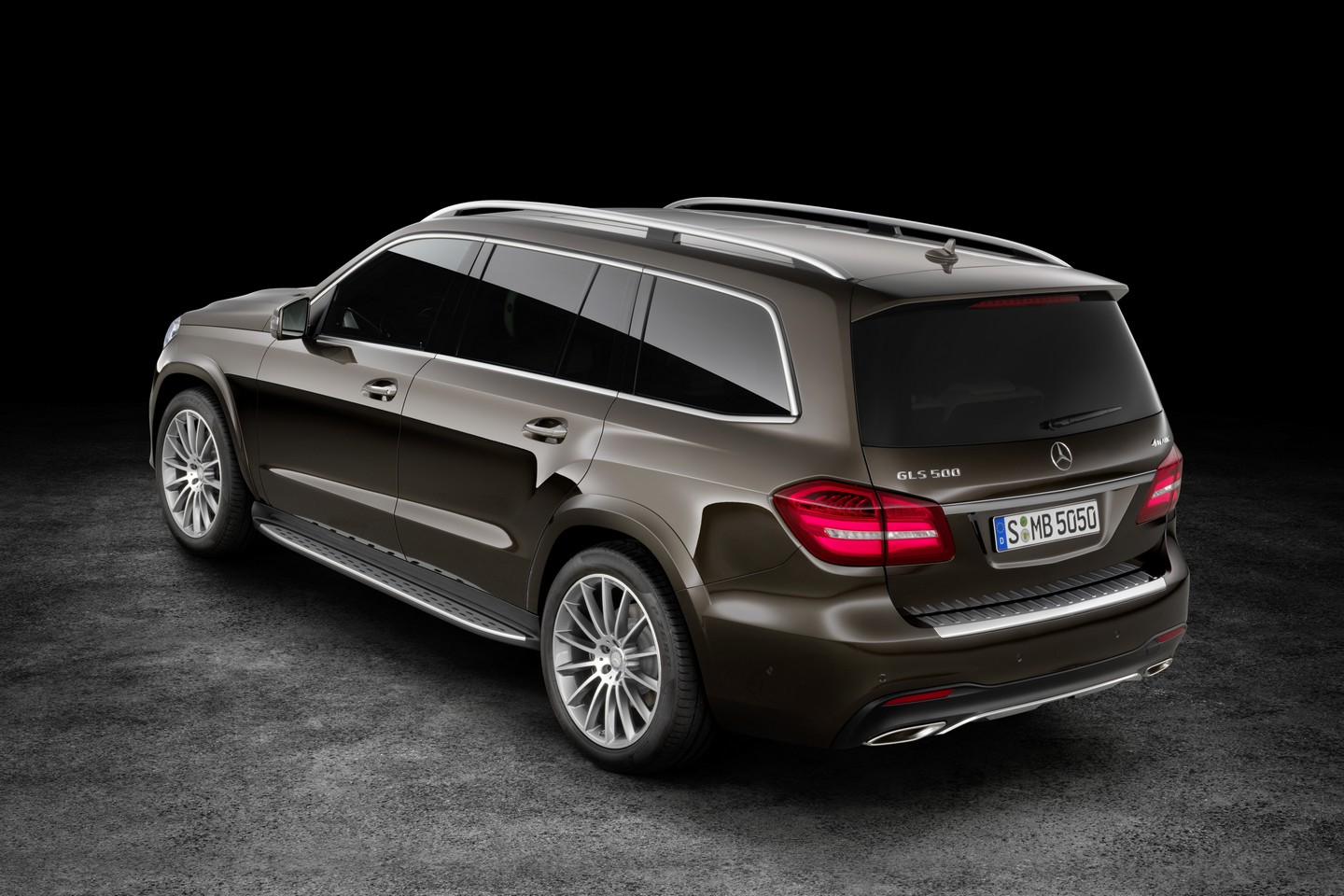 2017 mercedes benz gls fully revealed speed carz for Mercedes benz cars pictures