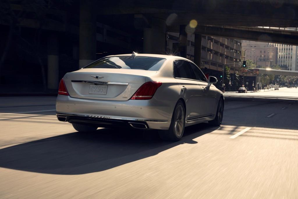 Hyundai Genesis G90 Rear