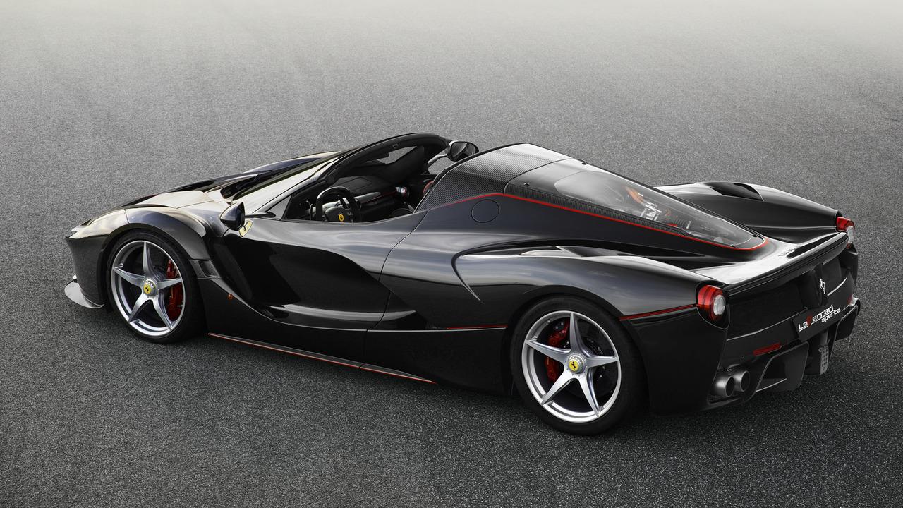 Ferrari Laferrari Spider 2