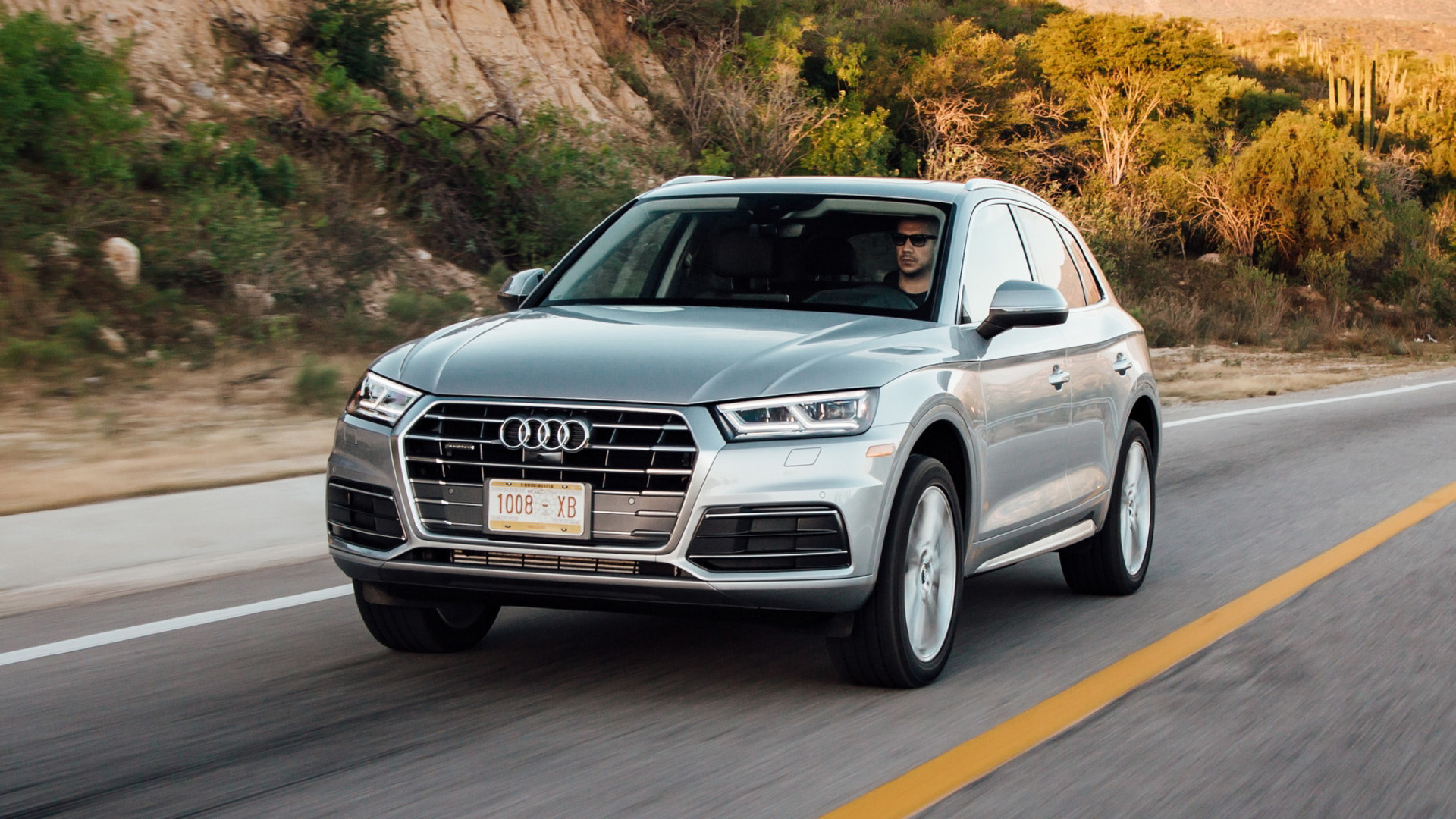 2018 audi q5 redefines suv new standards again speed carz. Black Bedroom Furniture Sets. Home Design Ideas